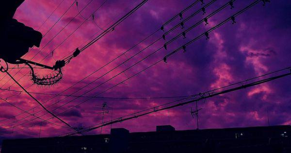 Bầu trời Nhật Bản chuyển tím khi siêu bão sắp đổ bộ