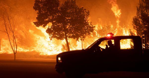 Cháy rừng miền nam California được khống chế một phần