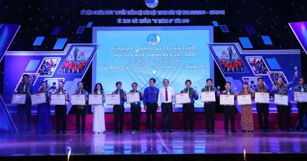 """Hội Liên hiệp Thanh niên Việt Nam trao giải thưởng """"15 tháng 10"""""""
