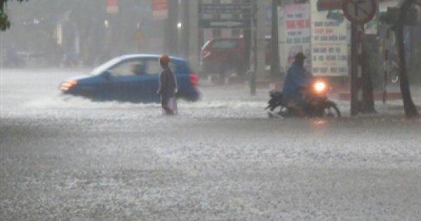 Sáng nay, nhiều trường ở Nghệ An cho học sinh nghỉ học vì mưa lớn