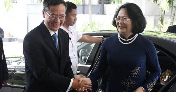 Phó Chủ tịch nước Đặng Thị Ngọc Thịnh thăm ĐSQ Việt Nam tại Indonesia