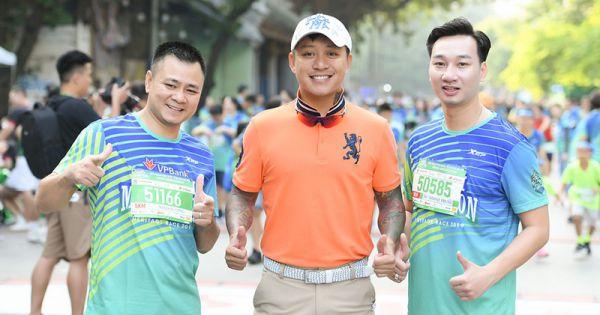 Tự Long - Tuấn Hưng - Tùng Dương thi chạy từ thiện ủng hộ trẻ em