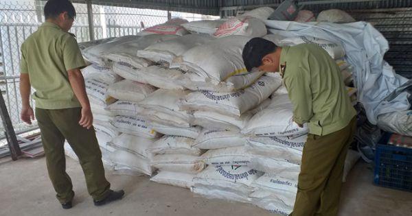 Điều tra 12,75 tấn đường nghi nhập lậu trong kho vắng chủ ở sát biên giới
