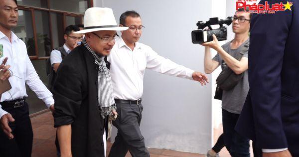 Hoãn lại phiên toà phúc thẩm vụ ly hôn của vợ chồng chủ Trung Nguyên