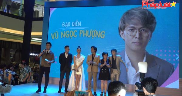 """Dàn sao Việt tề tựu đông đủ mừng ngày ra mắt của gia đình """"Anh Trai Yêu Quái"""""""