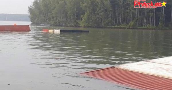 Ba thợ lặn mất tích khi tham gia trục vớt tàu chìm ở TP HCM