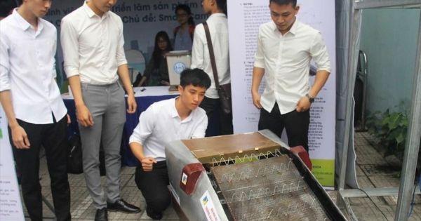 Sinh viên Đà Nẵng thiết kế máy gom rác đa năng