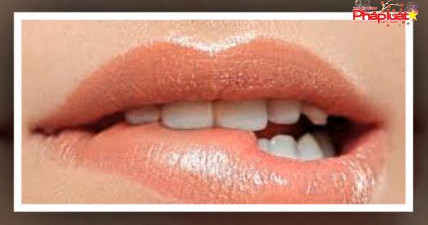 Ung thư lợi dễ nhầm đau răng