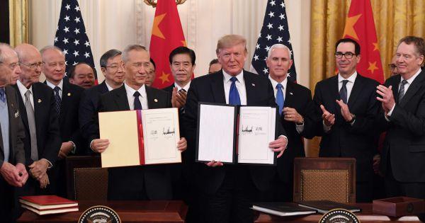 """Mỹ, Trung Quốc ký kết thỏa thuận thương mại """"giai đoạn một"""""""