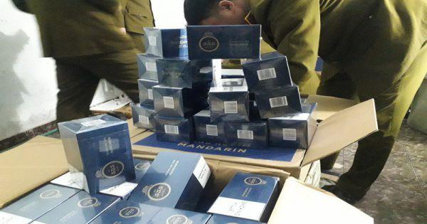 15.000 bao thuốc lá 555 bị thu giữ giữa Hà Nội