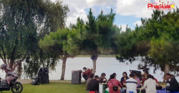 Chính thức cấm uống rượu bia tại công viên, nhà chờ xe buýt