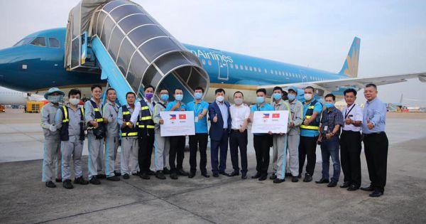 Doanh nhân Johnathan Hạnh Nguyễn tặng 750.000 khẩu trang, 16.500 bộ bảo hộ chống Covid-19 cho Philippines