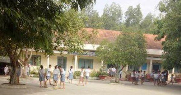 Phụ huynh đánh giáo viên bị thương ngay tại lớp học