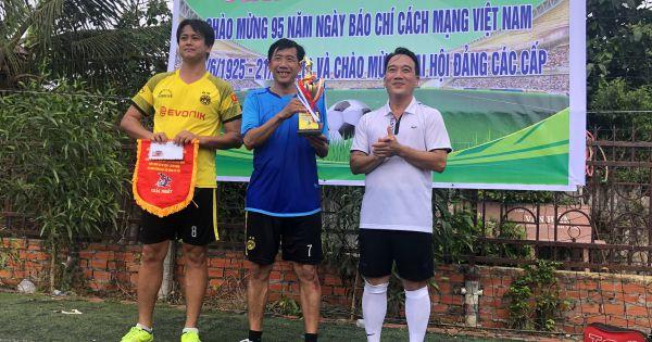 Bạc Liêu giao lưu bóng đá chào mừng Ngày Báo chí Cách mạng Việt Nam