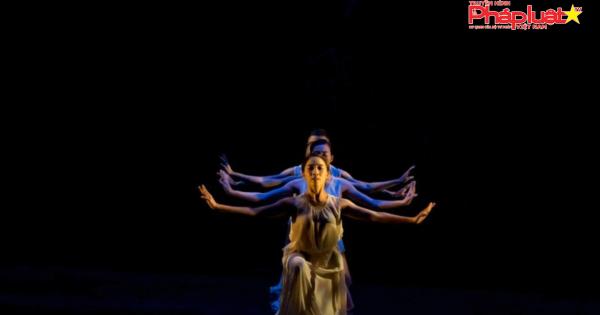 bat-ngo-khi-truyen-kieu-cua-dai-thi-hao-nguyen-du-len-san-khau-ballet