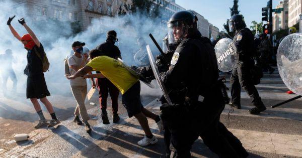 Mỹ: Bạo động leo thang tại nhiều thành phố