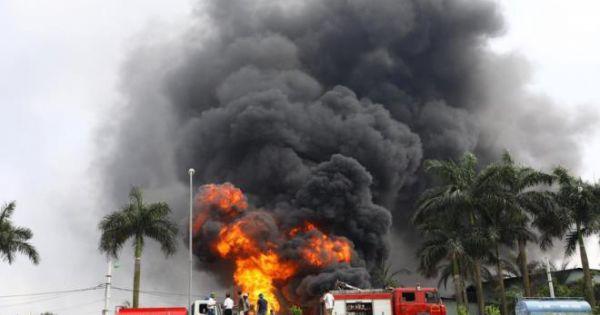Cháy kho hóa chất ở Long Biên: Không khí có chất hóa học vượt chuẩn gần 20 lần