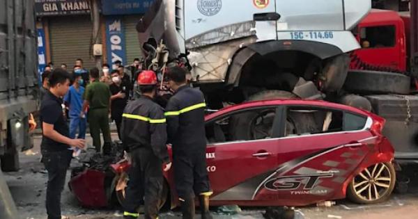 Khởi tố điều tra vụ rơi thang nâng khiến 4 người tử vong tại Hà Nội