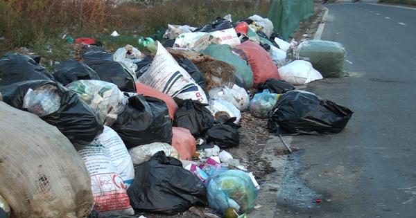 Hà Tĩnh: Qúa vô lý khi cả huyện Hương Khê không có lấy một bãi rác thải tập trung