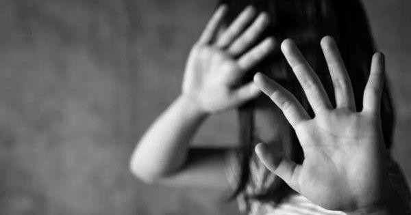 Tạm giữ hình sự đối tượng xâm hại bé gái 13 tuổi quen qua mạng xã hội