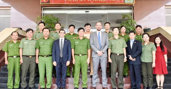 Công an tỉnh Bạc Liêu làm việc với Đoàn công tác Đại sứ quán Hoa Kỳ