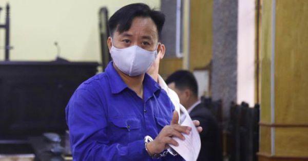 Bị cáo từ chối luật sư bào chữa, đề nghị hoãn tòa trong vụ gian lận thi cử ở Sơn La