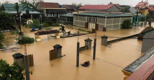 Lũ lớn vượt mốc lịch sử, đe dọa mạng sống người dân tại Quảng Bình