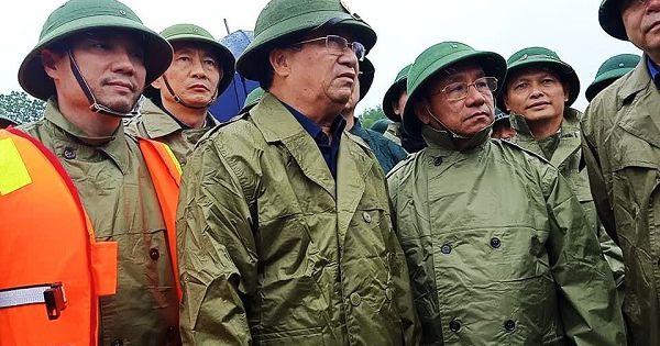 Phó Thủ tướng Trịnh Đình Dũng kiểm tra công tác ứng cứu mưa lũ tại Hà Tĩnh