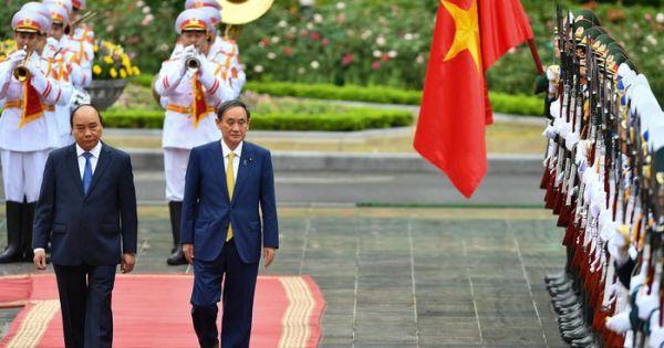Thủ tướng Nhật Bản rời Việt Nam