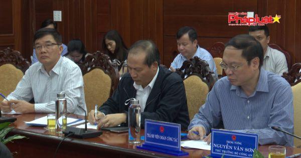 Bộ Trưởng Bộ Nông Nghiệp và Phát triển nông thôn kiểm tra công tác khắc phục hậu quả bão số 9 tại Quảng Ngãi