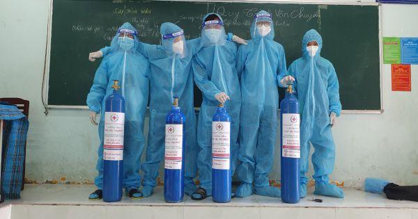 """Chuyện đoàn Thầy thuốc tình nguyện mang """"Oxy yêu thương"""" hỗ trợ bệnh nhân Covid-19."""