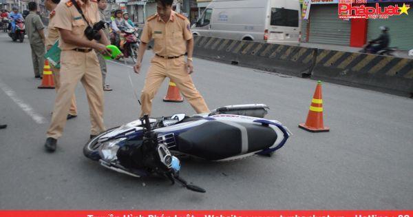 Cả 2 nhập viện cấp cứu do xe máy tông xe đạp chạy ngược chiều