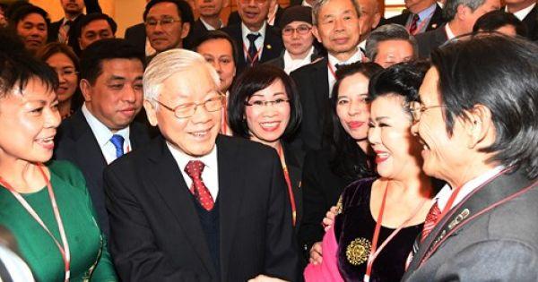 Tổng Bí thư Nguyễn Phú Trọng tiếp kiều bào đón Xuân quê hương 2018