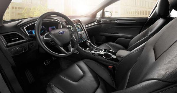 Ford triệu hồi 1,4 triệu xe vì vô lăng lỏng lẻo