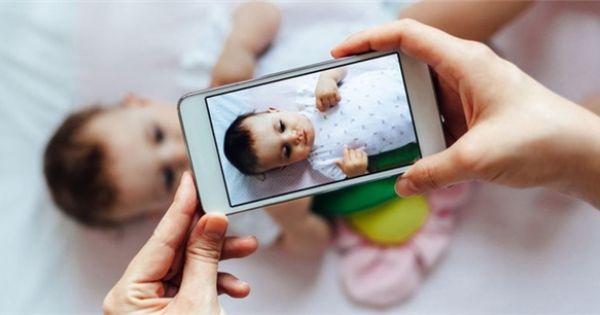 Tự ý đăng ảnh trẻ lên mạng xã hội mà không có sự đồng ý từ người thân của trẻ sẽ bị xử phạt hành chính