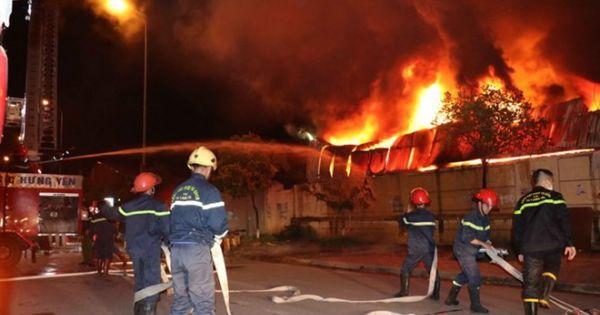 Cháy lớn tại nhà máy nhựa Hưng Yên, rồi lan sang chợ Gạo