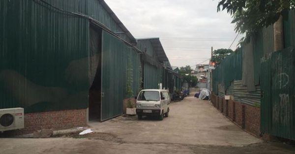 Núp bóng sân chơi, hàng ngàn mét vuông đất thành nhà xưởng