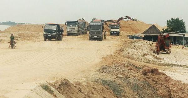 Đà Nẵng: Ai cho phép khai thác cát làm đường