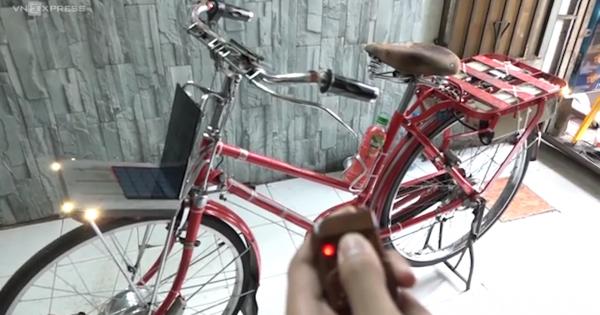 Xe đạp quẹt thẻ từ, tự bật đèn của học sinh lớp 9 ở Sài Gòn