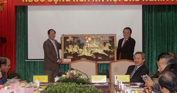 Đoàn Đại biểu Ủy ban về người Việt Nam ở nước ngoài thành phố Hồ Chí Minh làm việc tại Lâm Đồng