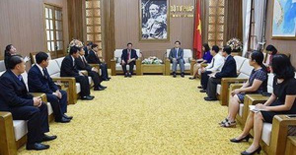 Đại sứ Việt Nam tại Hoa Kỳ trình Quốc thư lên Tổng thống Donald Trump