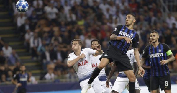 Ngược dòng ngoạn mục, Inter giữ 3 điểm ở lại San Siro