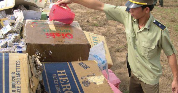 """Buôn lậu thuốc lá vẫn """"nóng bỏng"""" ở tuyến biên giới Việt Nam- Campuchia"""