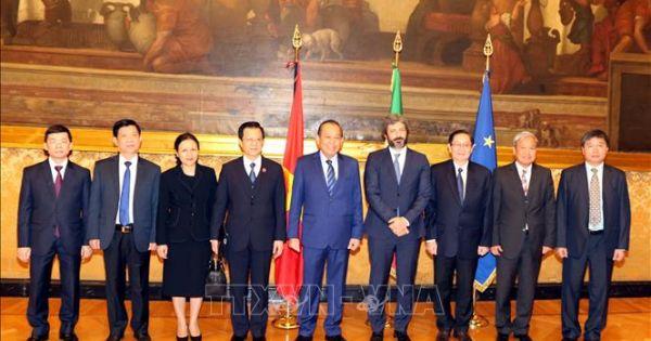 Phó Thủ tướng Trương Hòa Bình chào xã giao Chủ tịch Hạ viện Italy