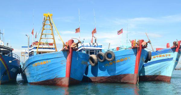 Quảng Bình: Cứu nạn thành công tàu cá cùng 5 ngư dân