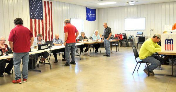 Bầu cử giữa kỳ Mỹ: Phe Dân chủ chiếm lợi thế ở thời điểm quan trọng trước bỏ phiếu
