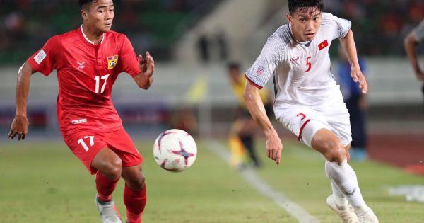 Thắng Lào 3-0, Việt Nam khởi đầu suôn sẻ ở AFF Cup