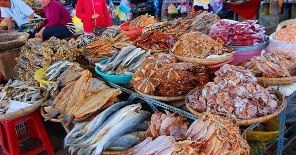 Cà Mau: Dùng chất làm thuốc trừ sâu để bảo quản cá khô