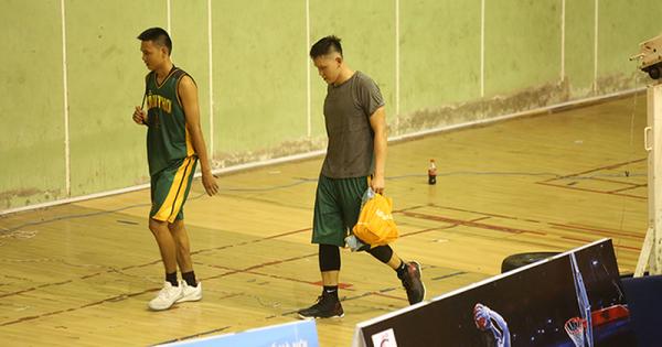 Hai cầu thủ bóng rổ VBA đấm trọng tài tại Đại hội Thể dục Thể thao toàn quốc