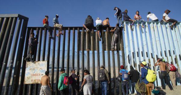 Dân Mexico biểu tình dòng người di cư Trung Mỹ